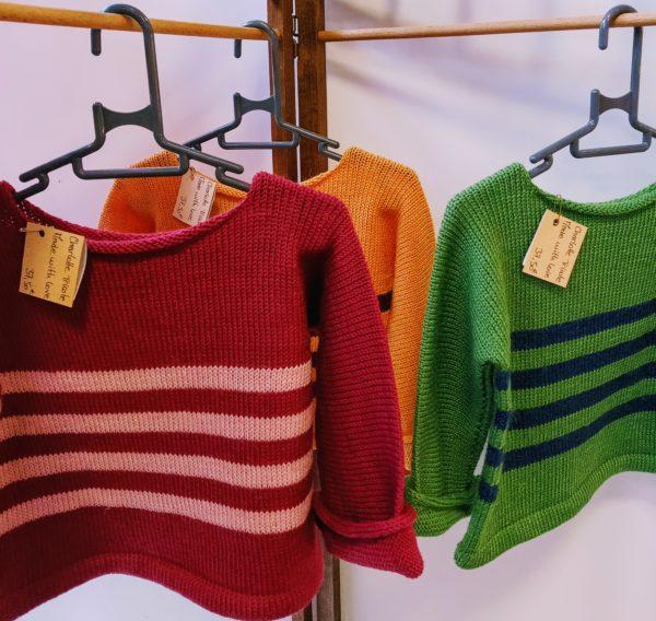 Pulls enfant à rayures tricotés dans le Nord (59) par charlotte tricote.