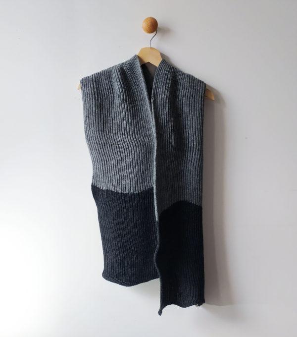 écharpe, accessoire indispensable pour l'hiver. Très agréable à porter.