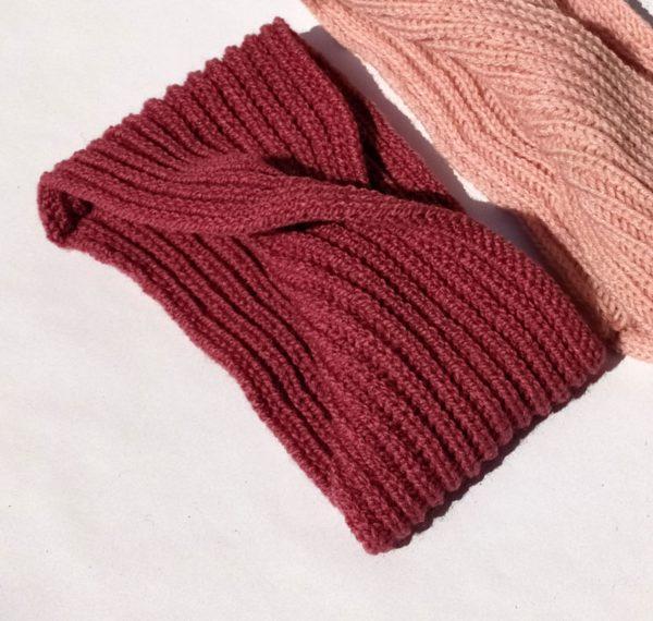 headband rose élastique, très pratique.