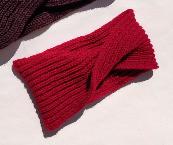 headband rouge agréable et doux.