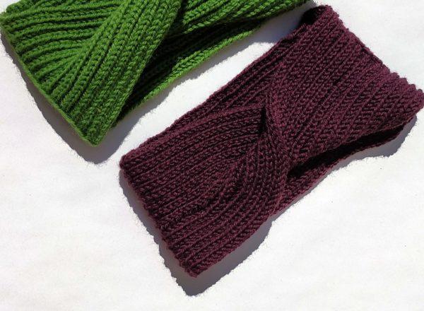 chauffe-tête violet confortable tricoté par charlotte tricote.