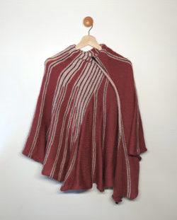Châle tricoté avec un mélange de laines vieux-rose, rose et gris, chaud, idéal pour l'hiver, par Charlotte Tricote.