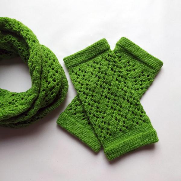 Mitaines, accessoire hiver élaboré par Charlotte tricote.