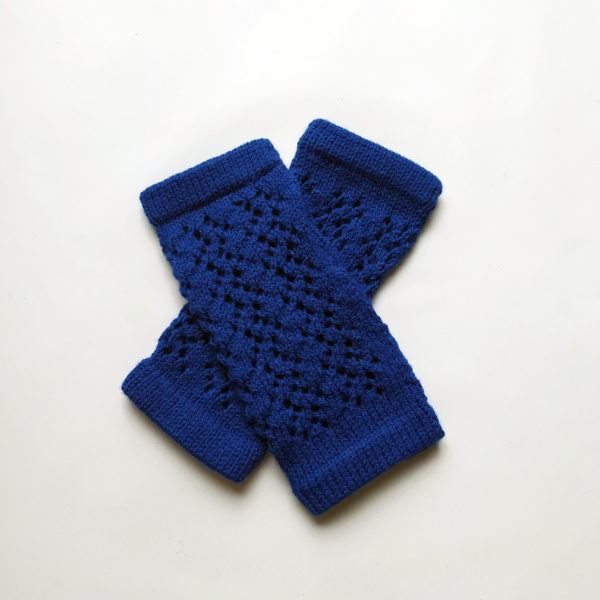 Mitaines très pratiques confectionnées par Charlotte Tricote.