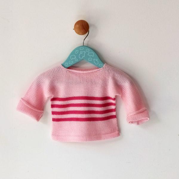 pull naissance rose clair-rose protège vos petits bouts du froid. Tricoté par charlotte tricote.