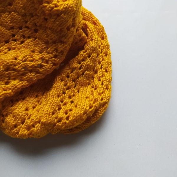 Snood confectionné par Charlotte Tricote. Accessoire idéal pour l'hiver.