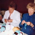 Trois femmes travaillant la laine.
